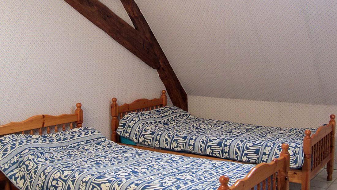 Gîte Planoy chambre bleu 4-5